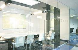 стеклянные офисные перегородки.